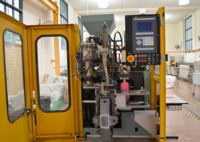 blow molding machine1