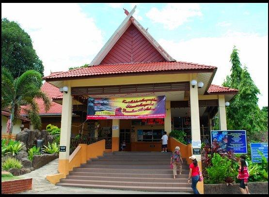 zm-entrance
